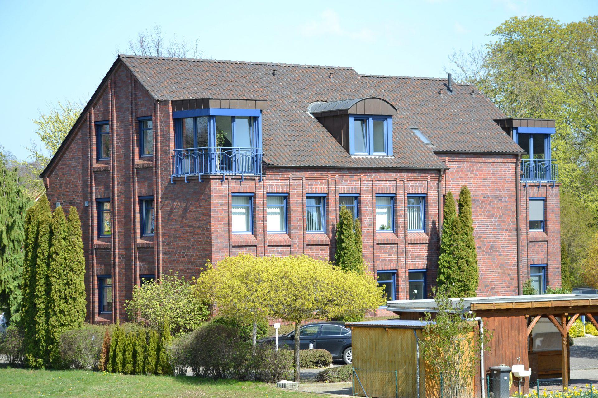 Wohn- und Geschäftshaus Rabensteinfeld